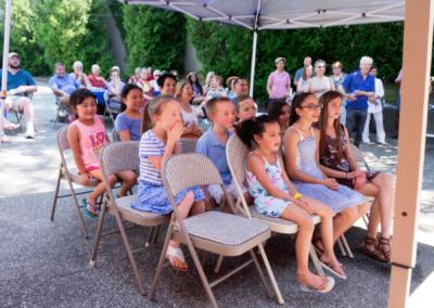 Kids_at_Garden_Party_Magic_Show